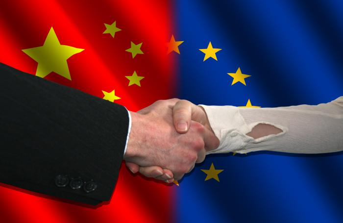 Handshake-with-chinese-flag
