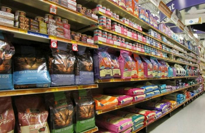petfood-aisle1-SMALL