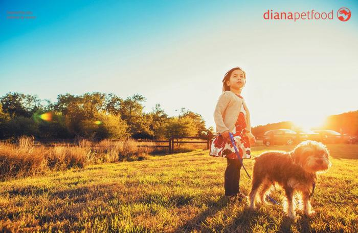 Diana-logo-girl-dog