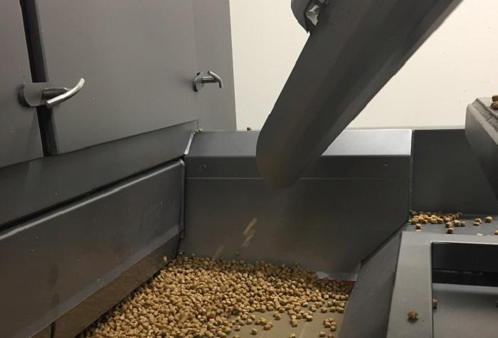 Dry-pet-food-production