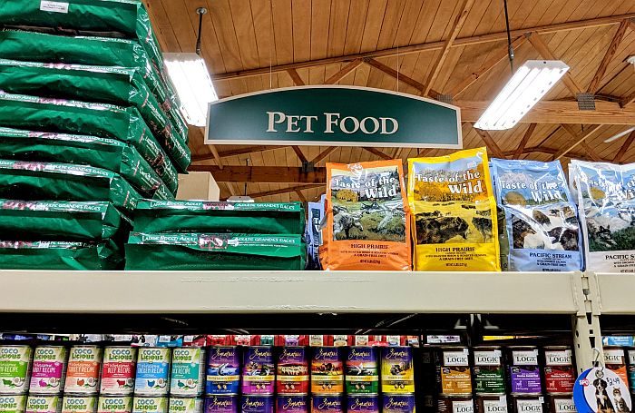 Pet-food-aisle-sign-packaging-bags-cans