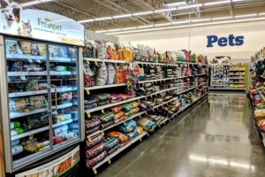Pet-food-aisle-with-fresh