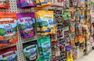 pet-treats-in-store