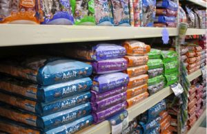 dog-food-on-shelves