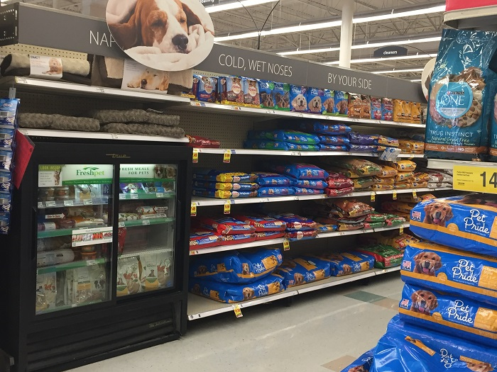 grocery-pet-food-aisle