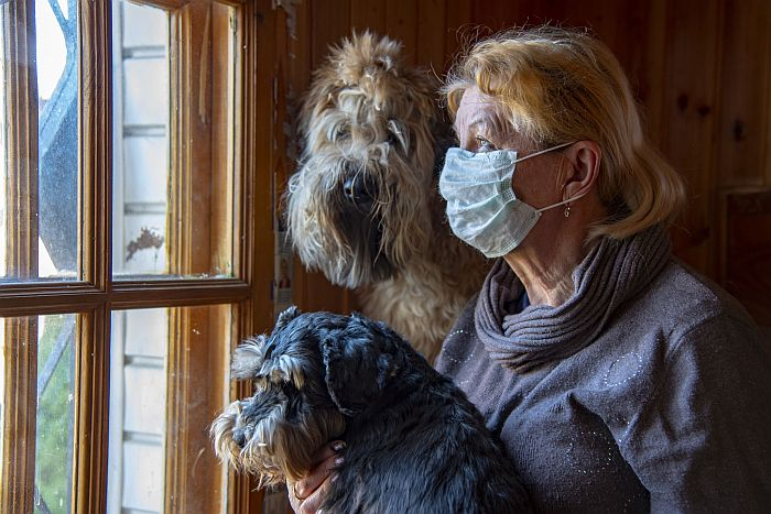 Senior-woman-face-mask-covid-dog