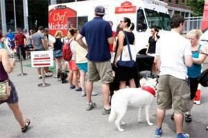 dog-food-truck-1207PETchefmichaels.jpg