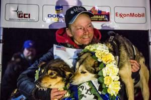 dog-sled-race-1303PETdrtimspetfood.jpg